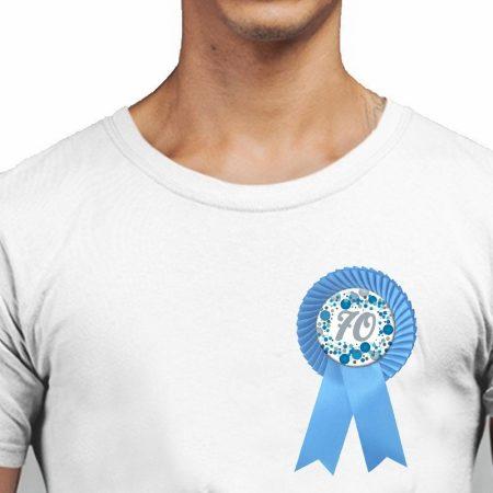 Világoskék konfettis kék szalagos kitűző 70-es
